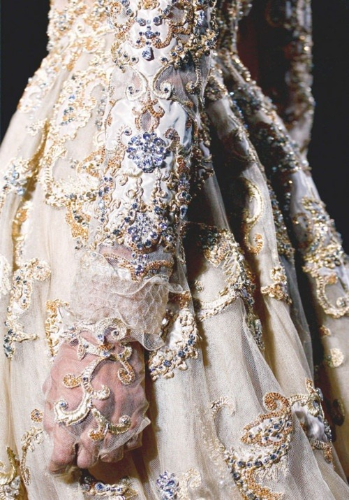 vedrai:  detail at valentino haute couture, spring 2012