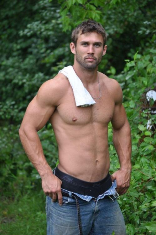 underthecoveragent:  amanthing:  Visit amanthing Hunk Edition Blog  Totally gorgeous