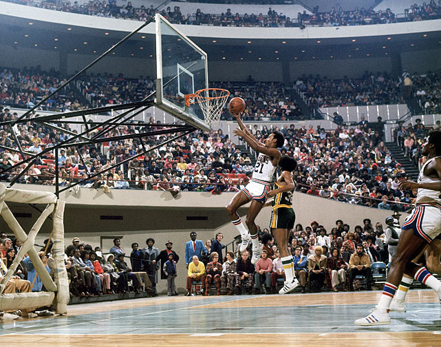 Dave Bing glides to the hoop during a 1974 Sonics-Pistons game. (Lane Stewart/SI) GALLERY: Classic Photos of the Detroit Pistons | Seattle SuperSonics