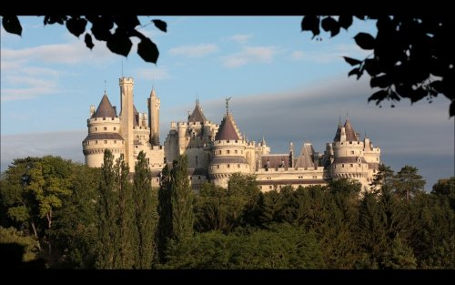 Chateau de Pierrefonds by *Rollwurst