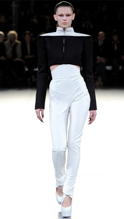 she-loves-fashion:  SHE LOVES FASHION: Mugler Fall/Winter 2012-13