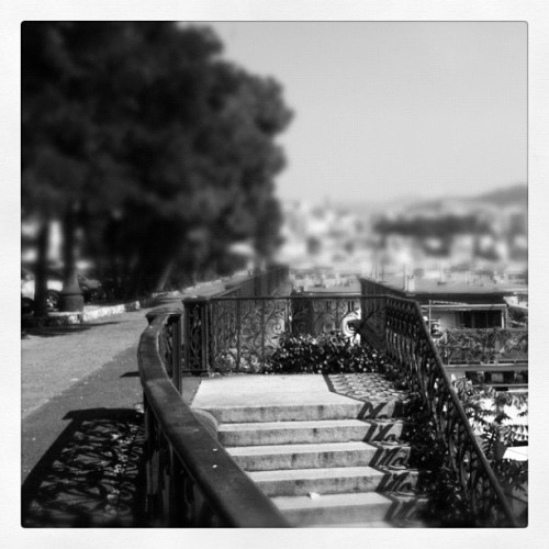 Walking around #Genova ( #igersgenova ) -  (Scattata con Instagram)