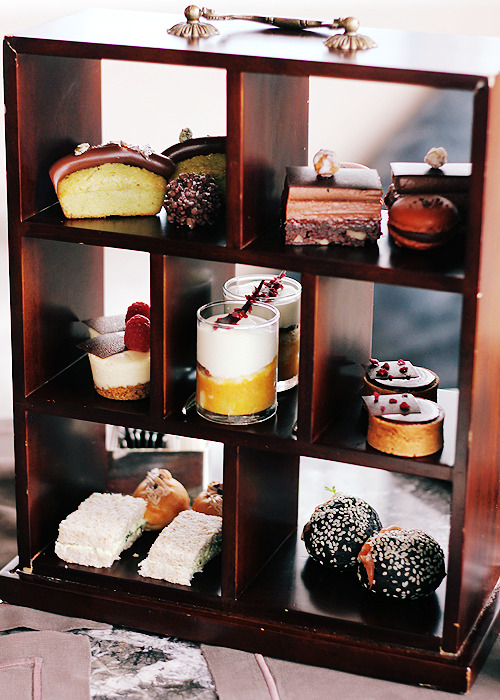 the ritz-carlton hotel, hong kong: chocolate afternoon tea set