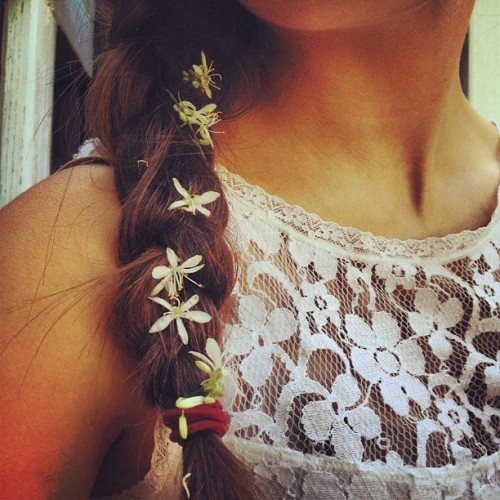 behindthosehazel-eyes:  Earth laughs in flowers. #braid #hair #flowers #lace #preppy #happy #pretty (Taken with Instagram)