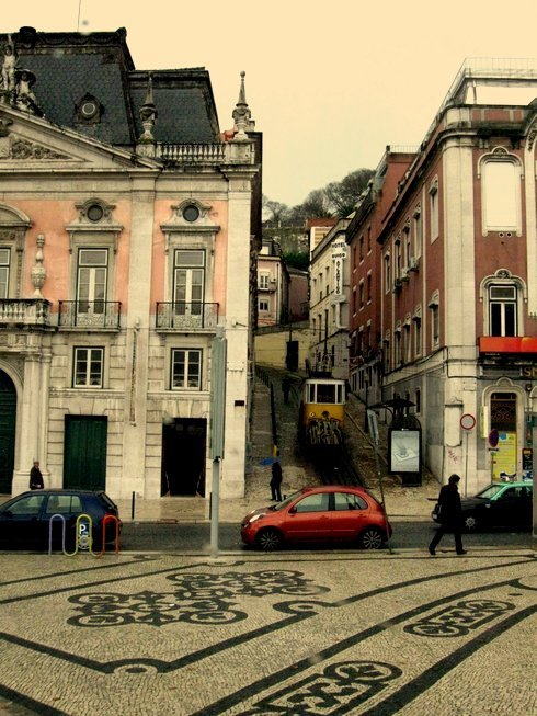 oliviaclaremarlene:  Streets of Lisbon, Portugal. rainy European day.