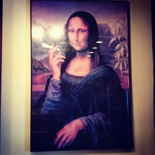 d-llface:  #mona lisa #blunt #joint #weed #headshop (Taken with Instagram)