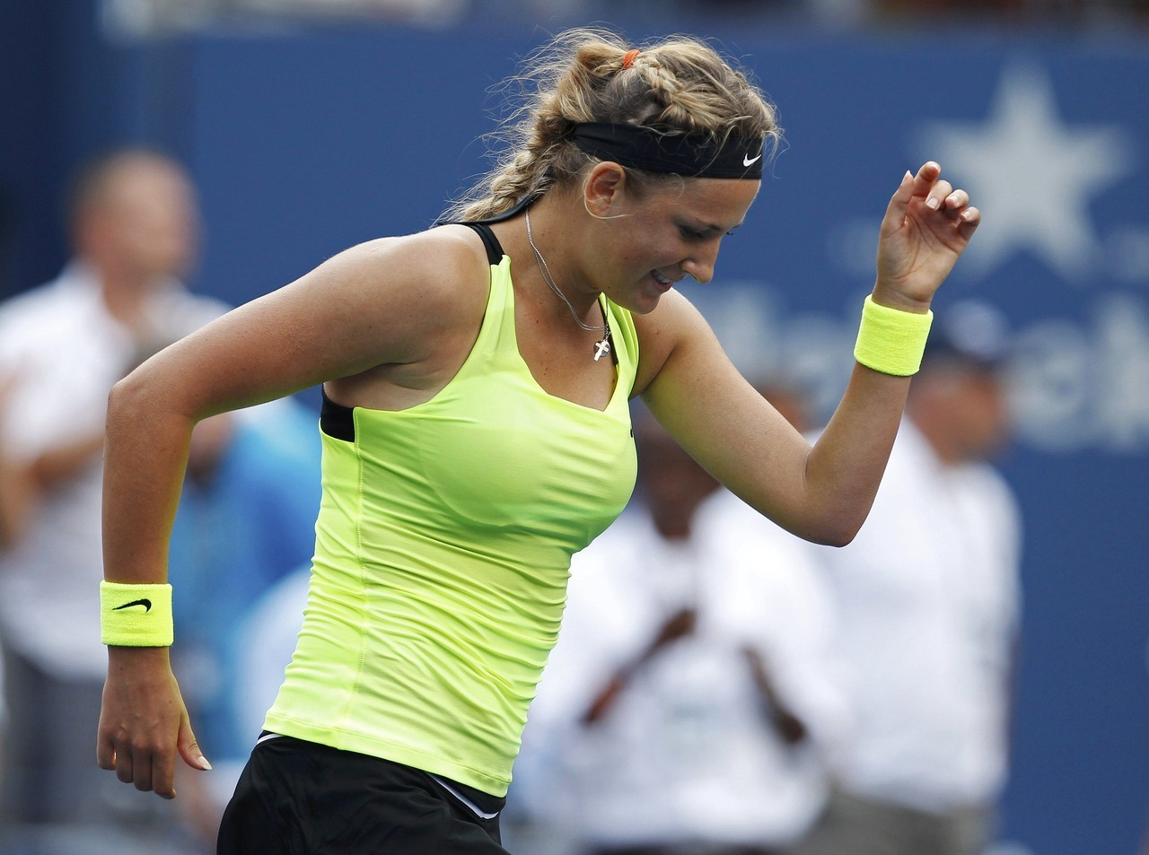 Top-seeded Victoria Azarenka of Belarus dances after beating third-seeded former champion Maria Sharapova of Russia 3-6 6-2 6-4 to reach the U.S. open women's final on Friday.Each player took their turn dominating in the opening two sets before settling into an exciting battle in the third set, which Azarenka claimed with a lone service break in the last game when Sharapova sent a forehand long from deuce.French Open winner Sharapova was pressured throughout the final set, taken to two deuces on her serve in the second game, to five deuces in the fourth and to four deuces in the sixth, but the Russian persevered until succumbing in the last game.