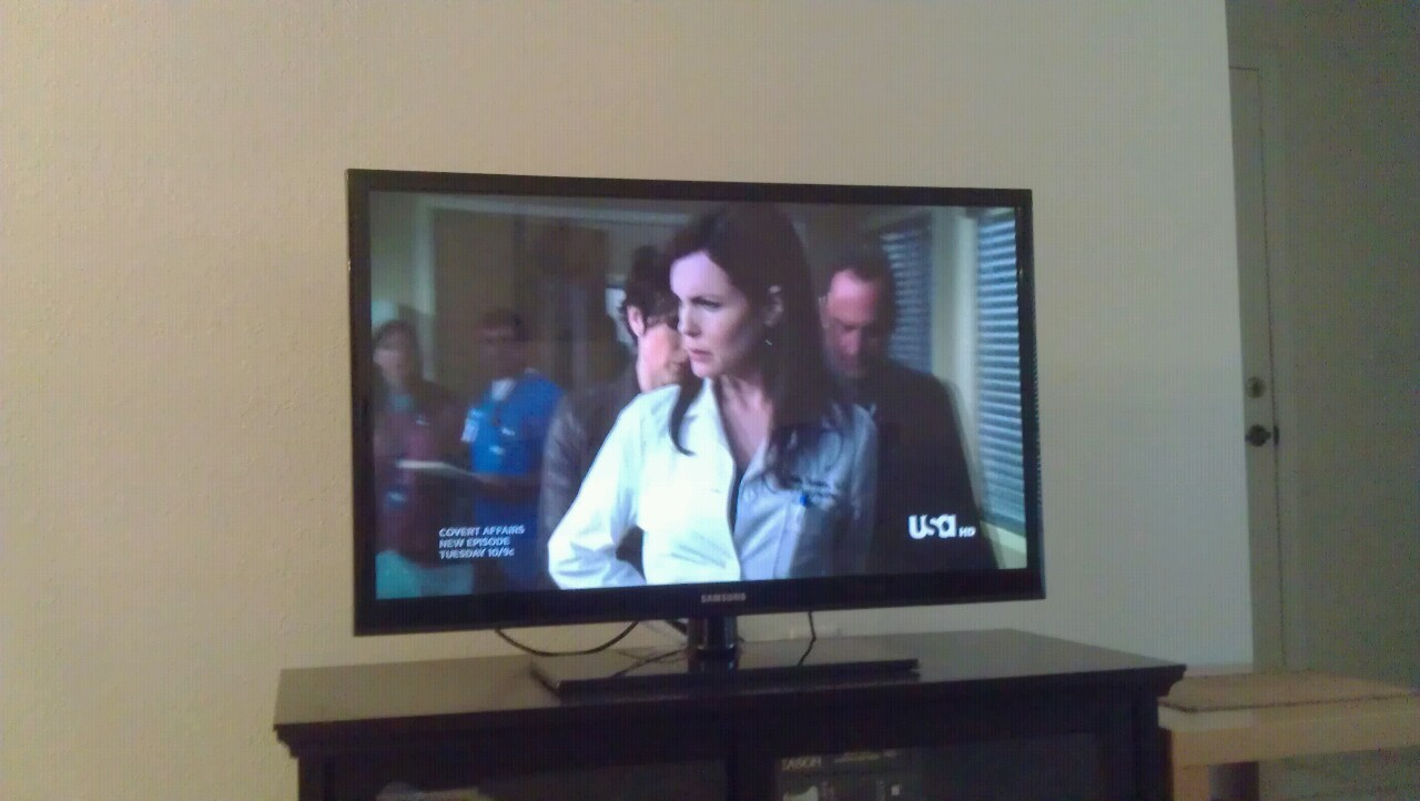 OMG!! Cora, Lady Grantham just got arrested on SVU!!!!!!