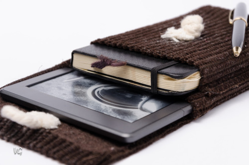 e-reader and notepad cover