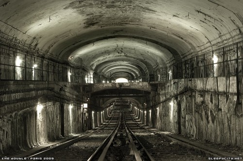 ahiddengardenofsecrets:  Old subway tunnel in Paris…mystic!