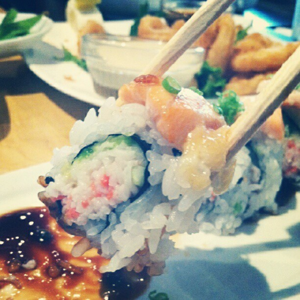 With my best buds! @mypointofview @ambooaber #sushi #friday #foodporn #delicious #stuffed #iwannasleepnow (Taken with Instagram at Kabuki of Woodland Hills)