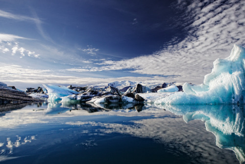 cillium:  Crossing Jökulsárlón (by Pixelwiese_Photography)