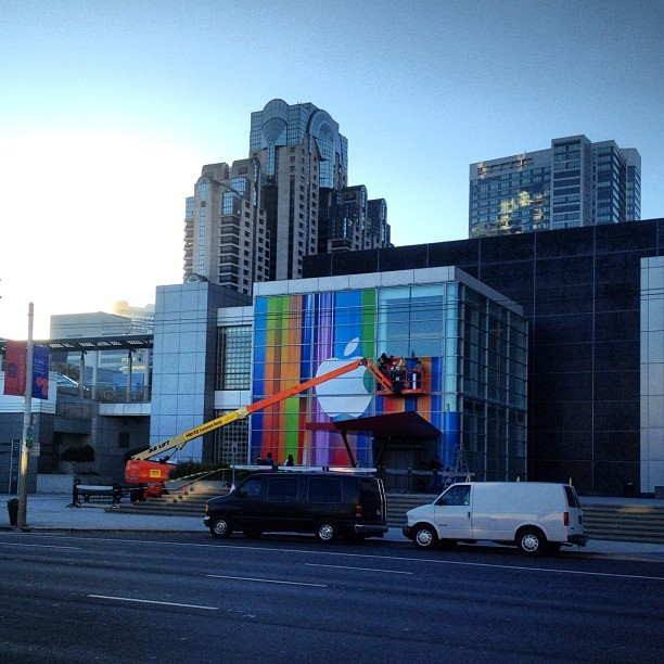 Almost done #apple #iphone (Taken with Instagram at Yerba Buena Center for the Arts)