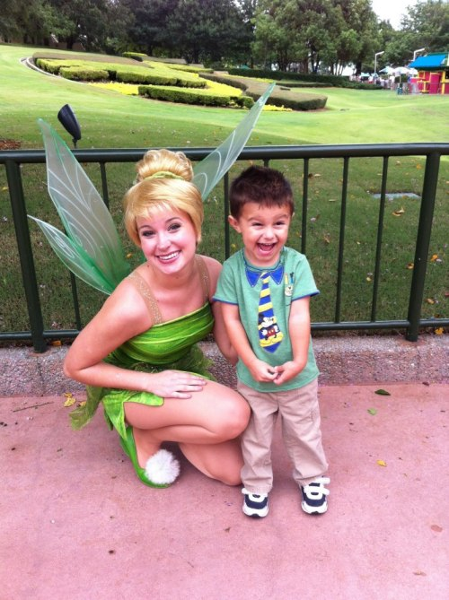 thatawkwarddisneymoment:  strict-joy:  Tinker Bell in Epcot. She was having a blast, and how cute is his face!!!   Wait, he's so excited