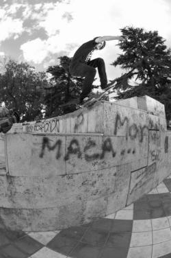 Frontside Noseblunt Foto: Facundo Stricker Wallride Tour / Mendoza 2012