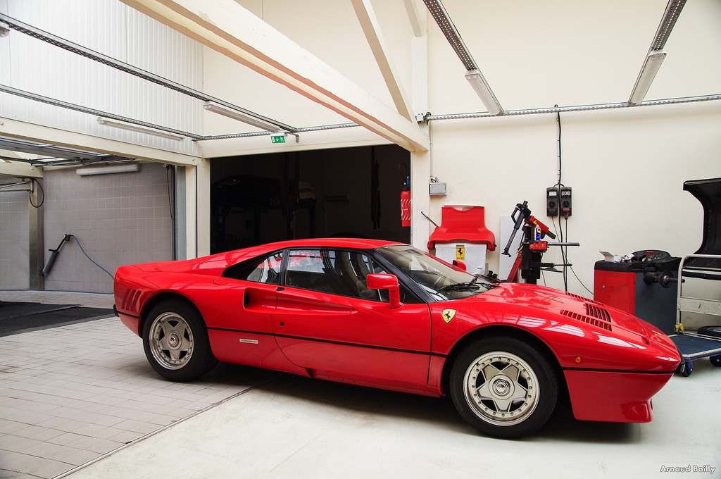 Ferrari 288 GTO. (by Arnaud Bailly)