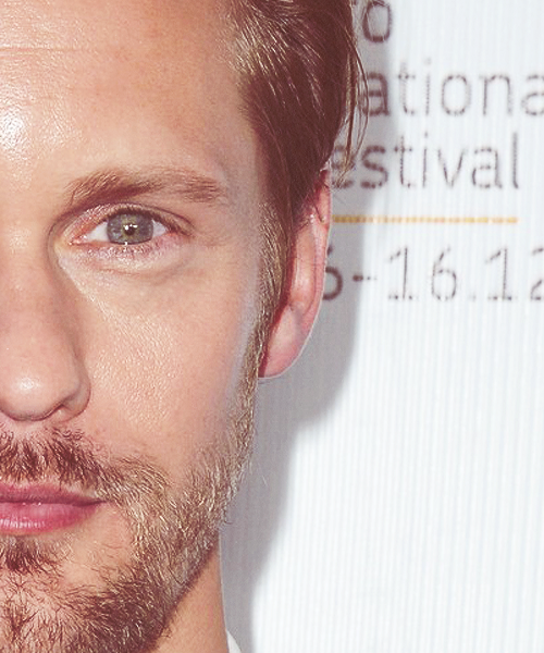 Alexander Skarsgård at What Maisie Knew Premiere (07.09.2012).  ohhhhh