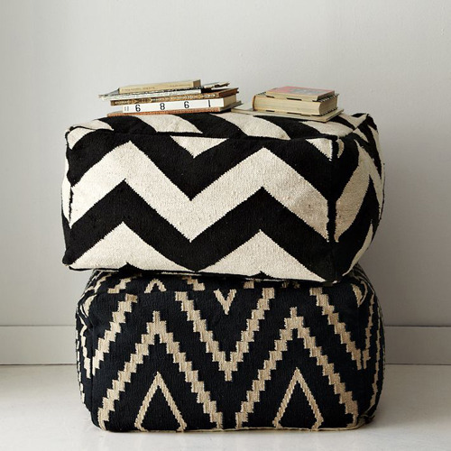 homeandinteriors:  The Zigzag pouf