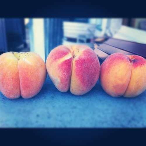 peach butts (Taken with Instagram)