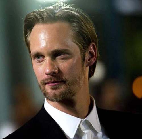 "santress:  Actor Alexander Skarsgard poses for a photograph on the red carpet at the gala for the new movie ""What Maisie Knew"" during the 37th annual Toronto International Film Festival in Toronto on Friday, Sept. 7, 2012.  (Source:  newsok.com)"