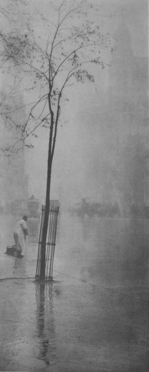 onlyoldphotography:  Alfred Stieglitz: Spring Showers – The Street Cleaner, 1900-1901