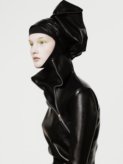 fashiondailymag:  Kirsi Pyrhonen shotb by Jean-Francois Campos for L'Express Styles September 2012