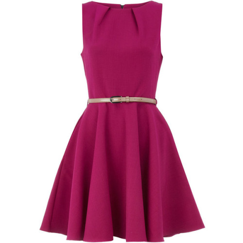 find-that-fashion:   Dorothy Perkins dress (see more short cocktail dresses)