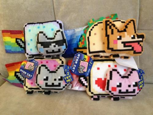 Officially licensed musical Nyan Cat plush coming mid-October to Toys R Us~!