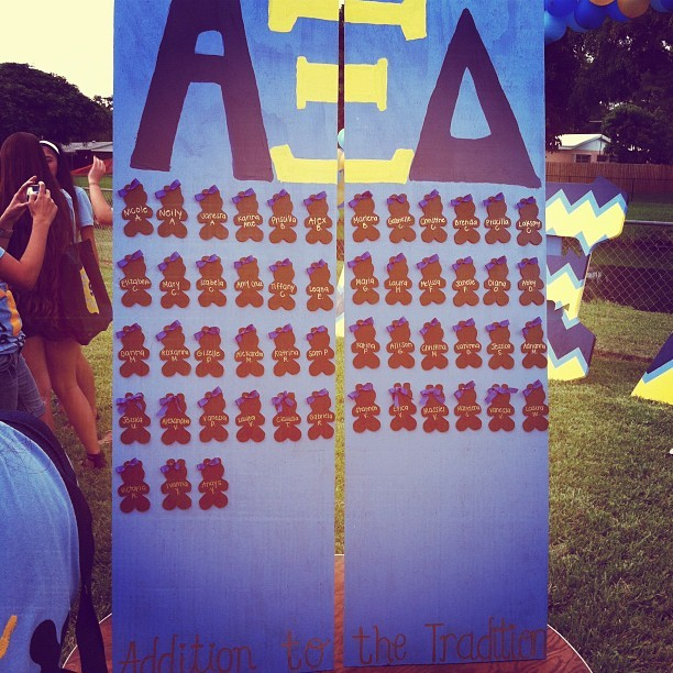 Welcome to the best Xi Babies 💛💙🐻 #PC12 #axid #alphaxidelta @axid_fiu  (Taken with Instagram)