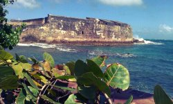 El #Morro At #Beach #PuertoRicoEl Morro At Old San Juan Puerto Rico It was built by the spanish when they came to Puerto Rico to protect the coast from pirates…. #android #beautiful #CapturedMoment #fotodroids #sea #streamzoo #nature(from @Wilmylok on Streamzoo)