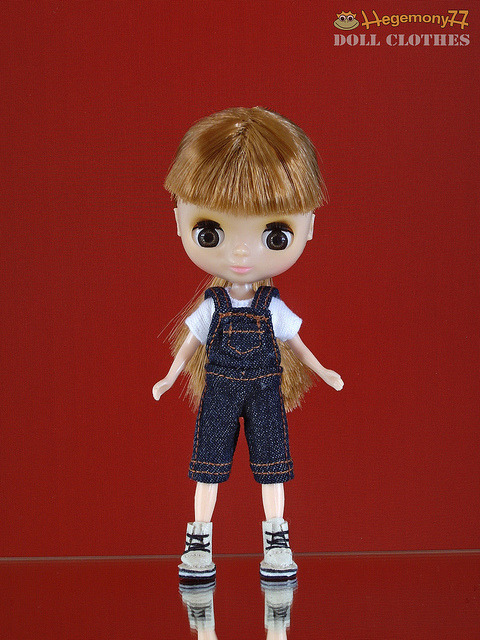 Petite Blythe doll in knee length blue denim jeans dungarees on Flickr.Doll clothes and photo made by Hegemony77
