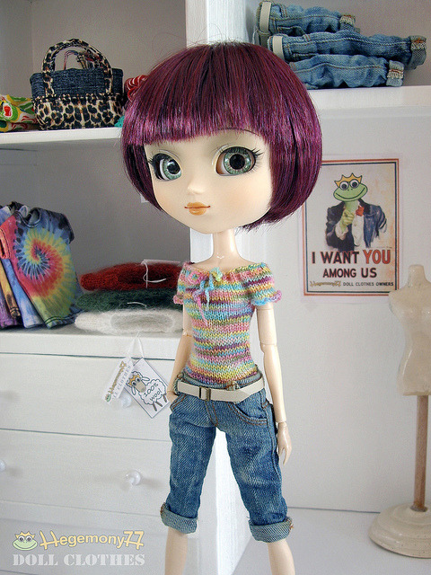 Pullip doll in colorful hand knitted sixth scale stretchy top and knee length worn washed blue denim jeans shorts pants with real pockets and belt on Flickr.Doll clothes and photo made by Hegemony77