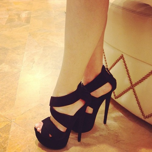 forever-and-alwayss:  must have heels like that one day.