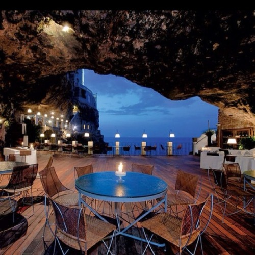 evocativesynthesis:  Puglia, Italy's cave restaurant  OK, I'm going… one day, when I find a babysitter in Puglia.