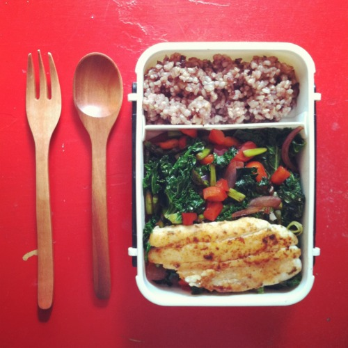 bento lunch /// fish with whole grain rice, kale