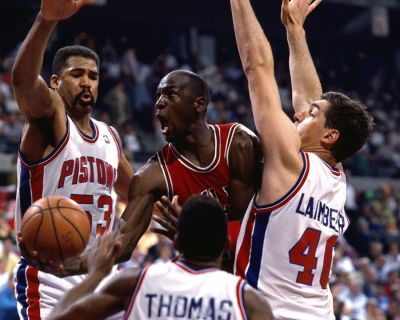 gmydejateay:  Michael Jordan Vs Pistons (James Edwards, Isiah Thomas & Bill Laimbeer)