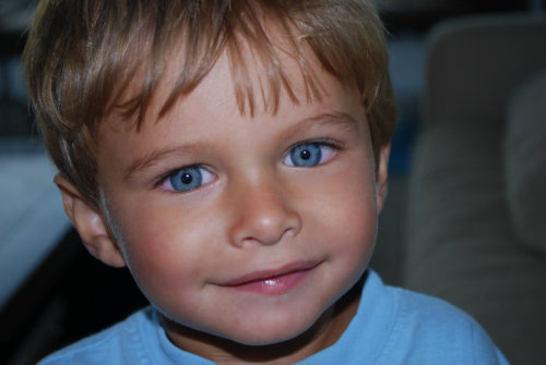 our-inner-angel:  This won't ruin your blog. This is Ronan he was a 4 years old fighting a battle with cancer and he passed away.Taylor Swift decided to write a song about him after she read a blog about him. Even though he not here today reblog this to show his family that we care.