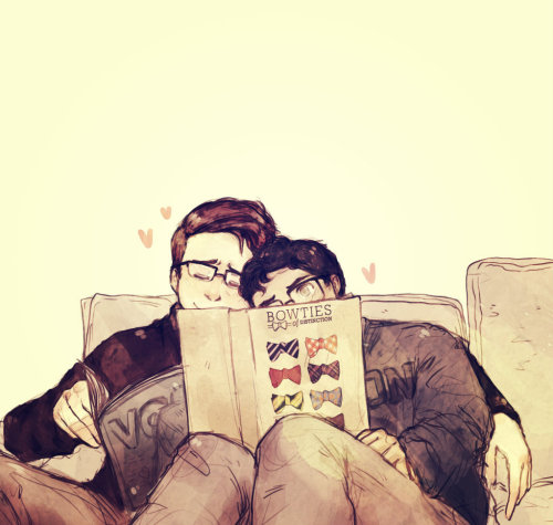 suitfer:  this one's for angel cake michelle, cuddly klaine wearing glasses (i drew this with period cramps oh god) hope you like it hun! blaine's book cover was not made by me, x