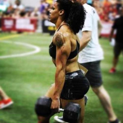 fit-black-girls:  I forget her name, but I know she is a CrossFit competitor.     Her name is Elisabeth Akinwale. elisabethakinwale.com