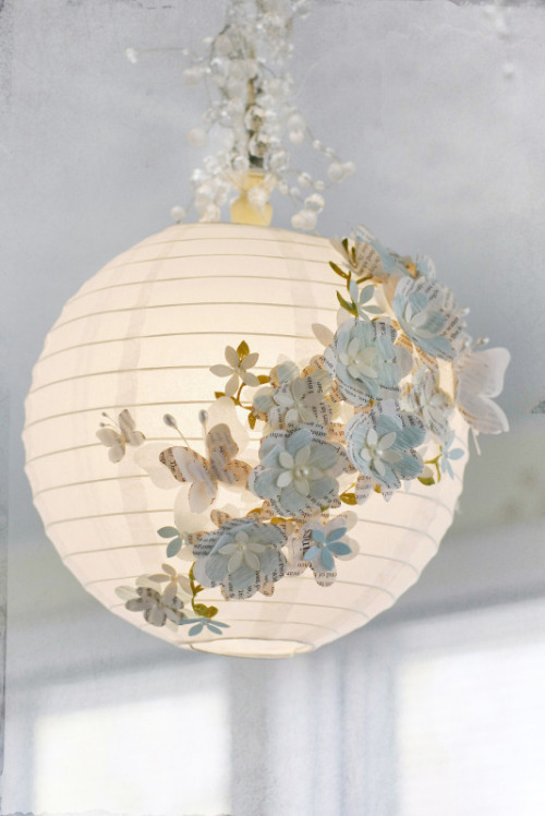 cajunmama:  Embellished paper lantern tutorial (via Glue Arts: Shine a Bit of Light With GlueArts Raisen Adhesives)