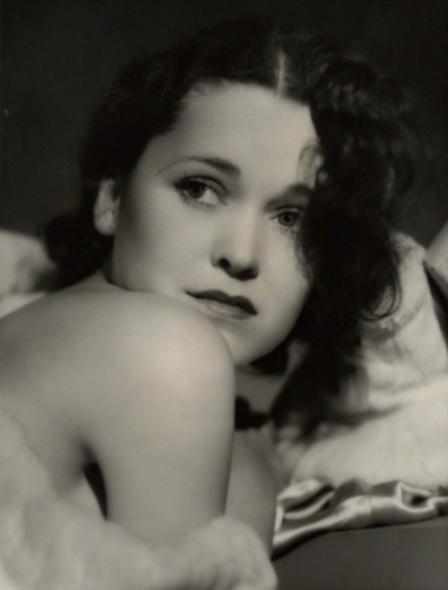Maureen O'Sullivan, 1931, photo by George Hurrell via saisonciel
