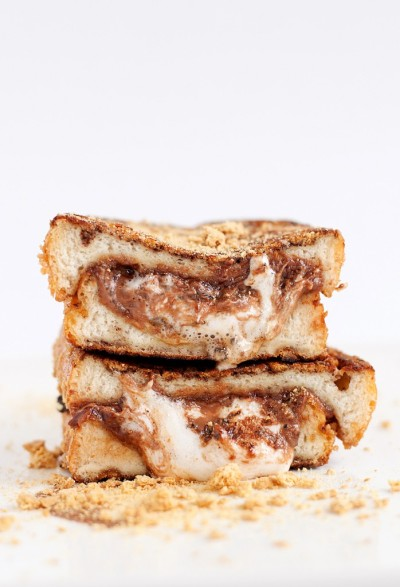 foolishoptimism:  likeneelyohara:  smore stuffed french toast  i am not worthy to gaze upon thee