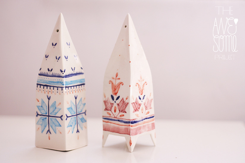 W 12/13 PREVIEW: set of 2 hand-made & hand-decorated porcelain houses -h=15cm - NOT AVAILABLE