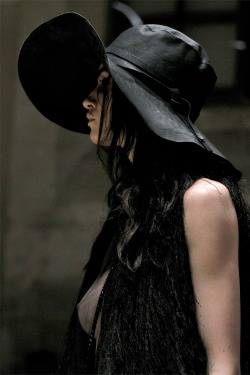 gnarlijen:  The perfect silhouette, from Ann Demeulemeester.. of course. Where oh where am I ever gonna find a leather floppy hat.. you'd think a town deeply rooted with a history of keeping the leather industry alive/profitable, would eventually turn up some sick 70's version of this for me, maybe today.