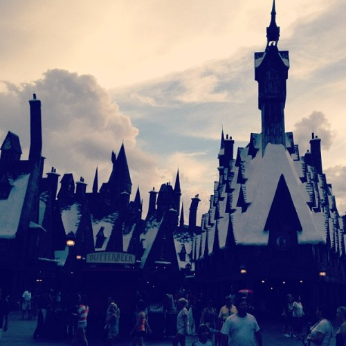 Hogsmeade. #orlando #usa #florida #potter #harry #universal #hogsmeade #sky #muggles  (Taken with Instagram)
