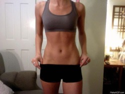 daw-n:  saltwash:   fitspo/inspiration blog   ^ amazing fitspo blog!