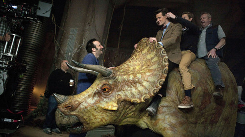 doctorwho:  Matt, Arthur, and Mark Williams on the set of Dinosaurs on a Spaceship with episode director Saul Metzstein