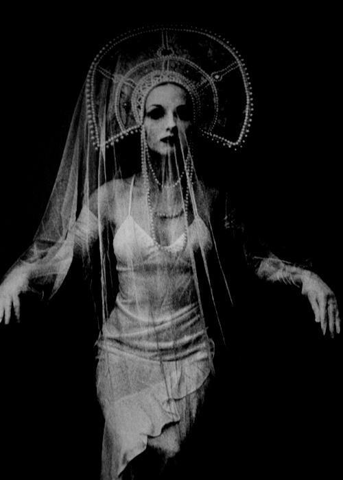 pubertad:  Selfportrait, Irina Ionesco (b. 1935)