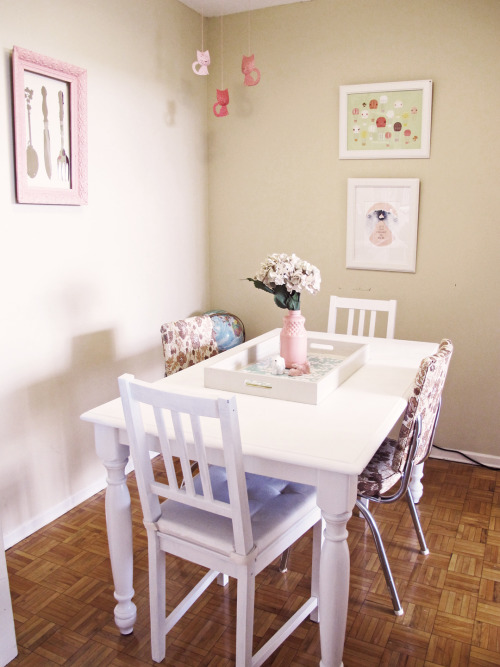 sweethomestyle:  My dining nook— Submitted by darcy allan
