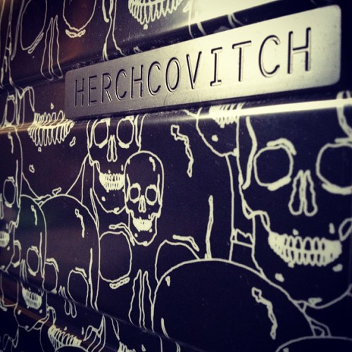 #herchcovitch #loveherchcovitch #skull #bag #travel (Publicado com o Instagram)